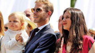 Andrea Casiraghi con su hijo Sacha y su mujer Tatiana Santo Domingo /Gtres