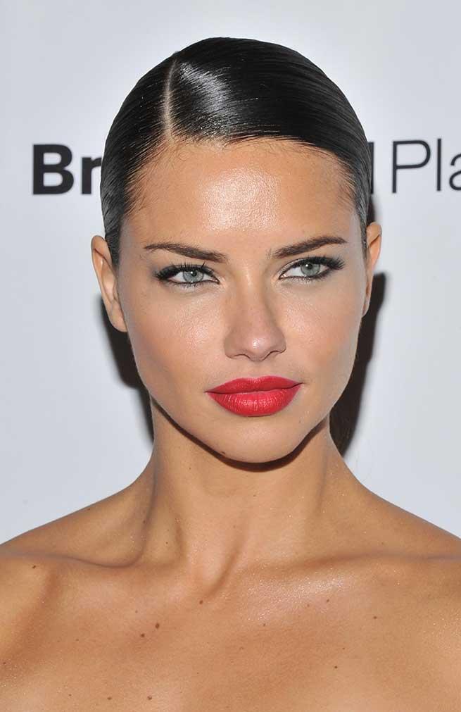 Adriana Lima Look Beauty Maquillaje Belleza