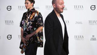 Bárbara Lennie y Diego Postigo duranta el tributo de Telva a Paco Rabanne / Gtres