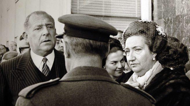 Juan de Borbón con Doña María de las Mercedes /Gtres