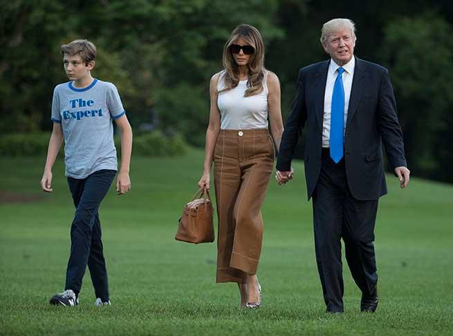 Melania Trump Look Casa Blanca
