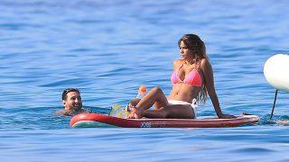 [PINCHA EN LA IMAGEN PARA VER LA GALERÍA] Antonella Roccuzzo y Leo Messi durante sus vacaciones en Ibiza /Gtres