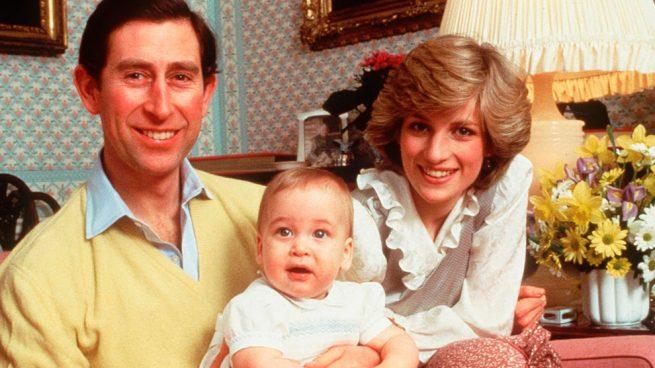 Los príncipes de Gales y su hijo Guillermo