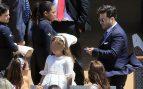 Paula, David y su pequeña en la terraza del restaurante /Gtres