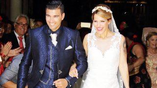 El futbolista José Antonio Reyes y Noelia López durante el día de su boda en el Santuario Virgen de la Consolación en Sevilla /Gtres (PINCHAR EN IMAGEN PARA VER GALERÍA)