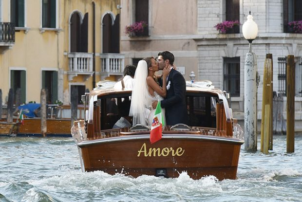 Así fue la romántica boda de Álvaro Morata y Alice Campello en el canal de Venecia
