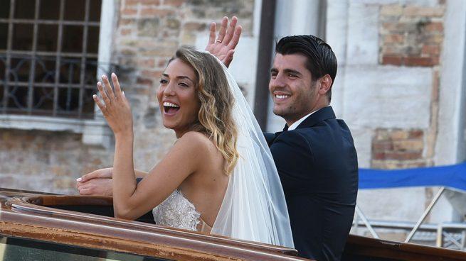 Álvaro Morata y Alice Campello ya convertidos en marido y mujer /Gtres