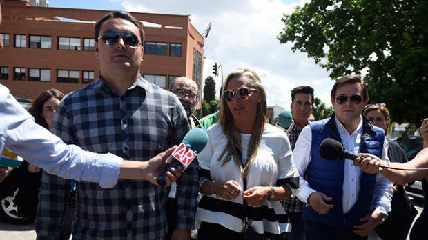 Belén Esteban y su novio a su llegada al juicio