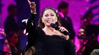 La cantante Isabel Pantoja durante uno de sus conciertos / Gtres