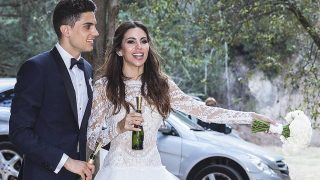 Marc Bartra y Melissa Jiménez el día de su boda / Gtres
