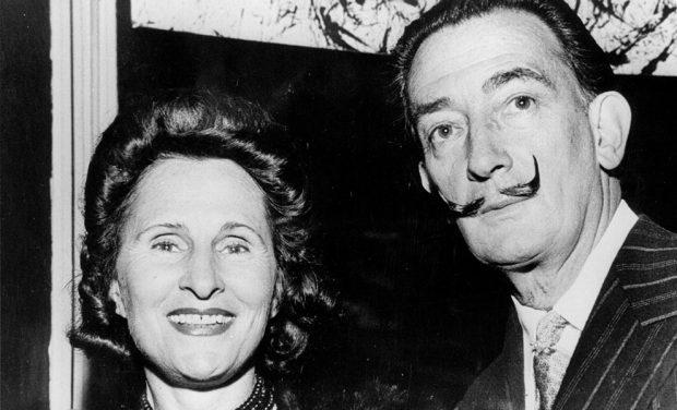 El pintor Salvador Dalí y su mujer, Gala