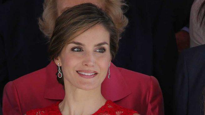Reina Letizia Look Rojo 40 Aniversario Elecciones