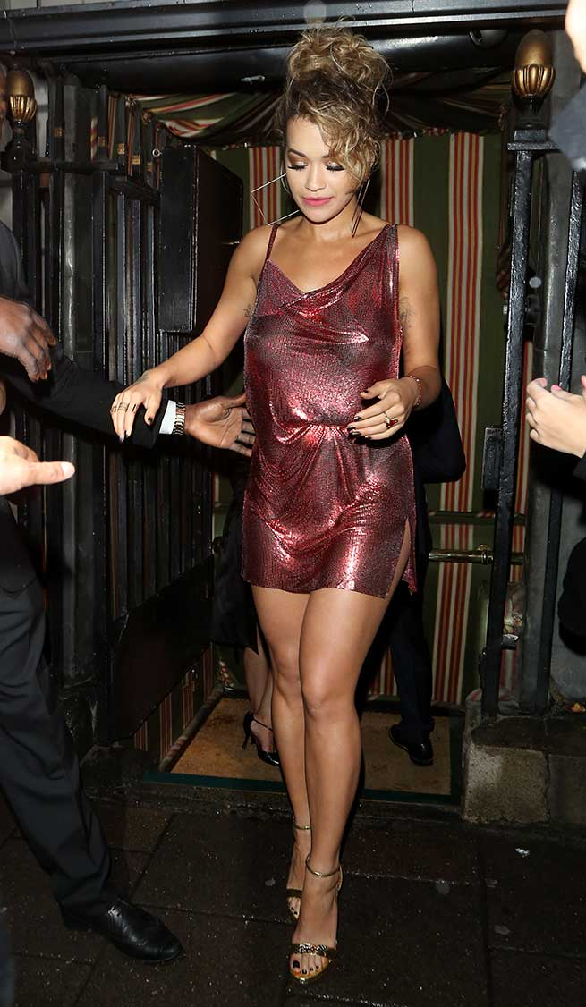 Rita Ora Vestido Paco Rabanne