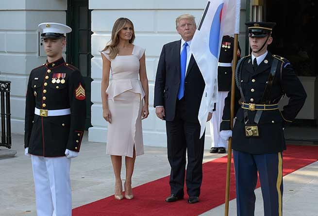 Melania Trump Vestido Peplum Tendencias