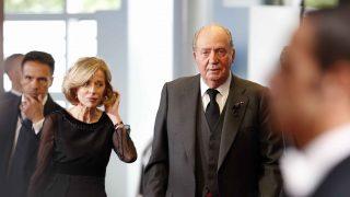 El Rey Juan Carlos llega al homenaje del canciller Helmut Kohl /Gtres