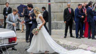 Sergio y Almudena tras convertirse en marido y mujer /Gtres