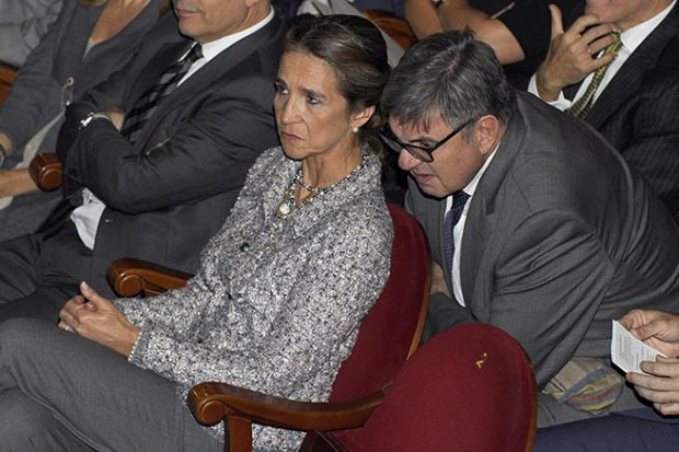 Infanta Elena, Carlos García Revenga