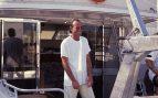 El cantante Julio Iglesias de vacaciones en la década de los noventa