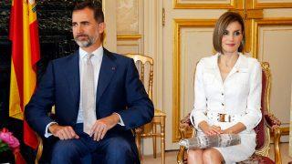 PINCHA EN LA IMAGEN PARA ACCEDER A LA GALERÍA / Los Reyes en uno de sus viajes a París / Gtres