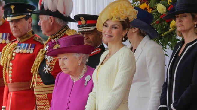 Letizia Visita Reino Unido Look