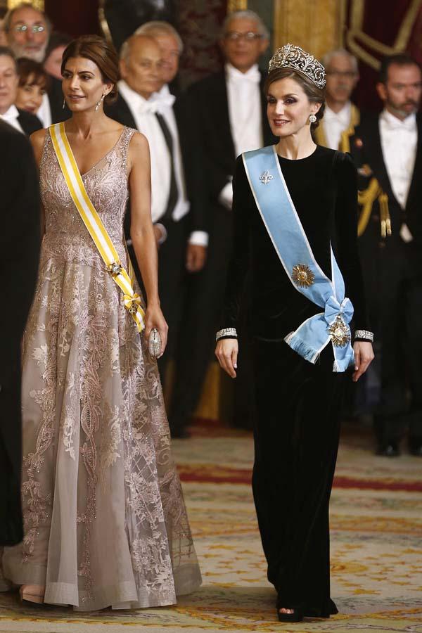 Looks Royal Letizia Duelos Estilo