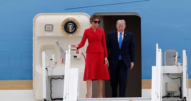 Melania Trump aterrizando en París / Gtres
