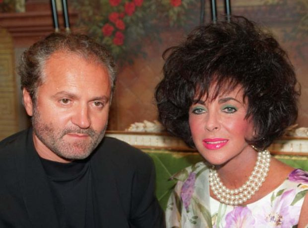 Gianni Versace con Liz Taylor