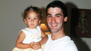 Andrea Janeiro en una fotografía con su padre tomada en 2001 / Gtres