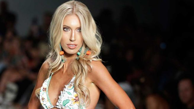 La moda de baño más sexy desfila en Miami