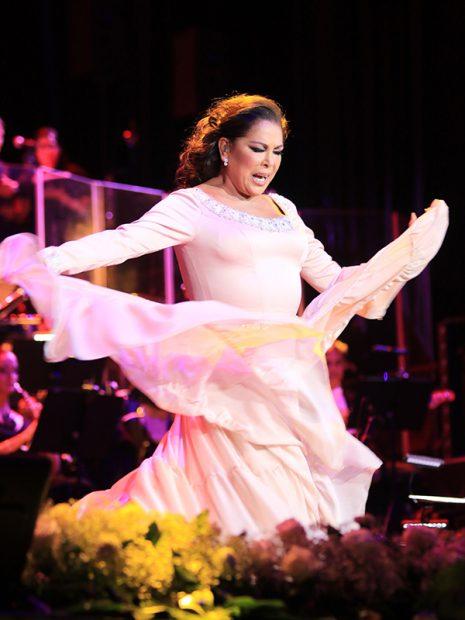 La cantante Isabel Pantoja durante uno de sus últimos conciertos
