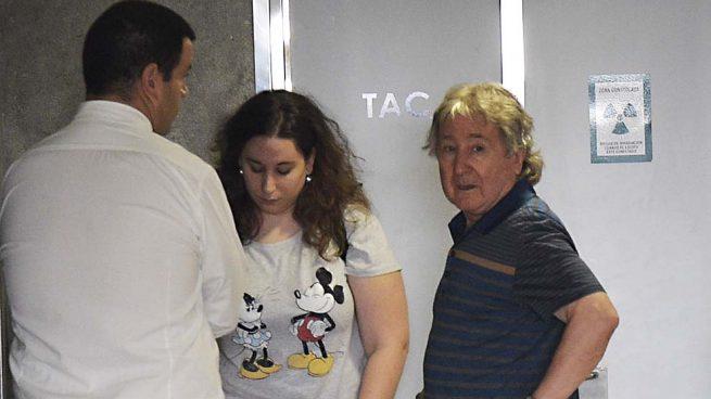 Hermano de Angel Nieto a su llegada al hospital / Gtres