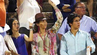 La Infanta Elena, Froilán y Victoria Federica durante la corrida de toros de los Rivera / Gtres