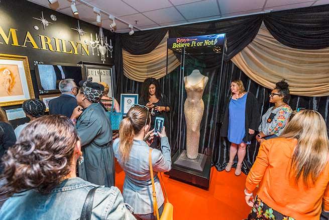 El vestido más caro del mundo se expone en San Francisco