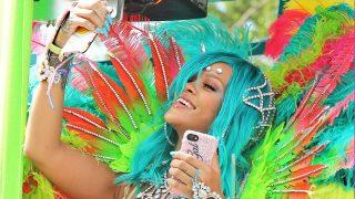 PINCHA EN LA IMAGEN PARA ACCEDER A LA GALERÍA / Rihanna en el carnaval de Barbados / Gtres