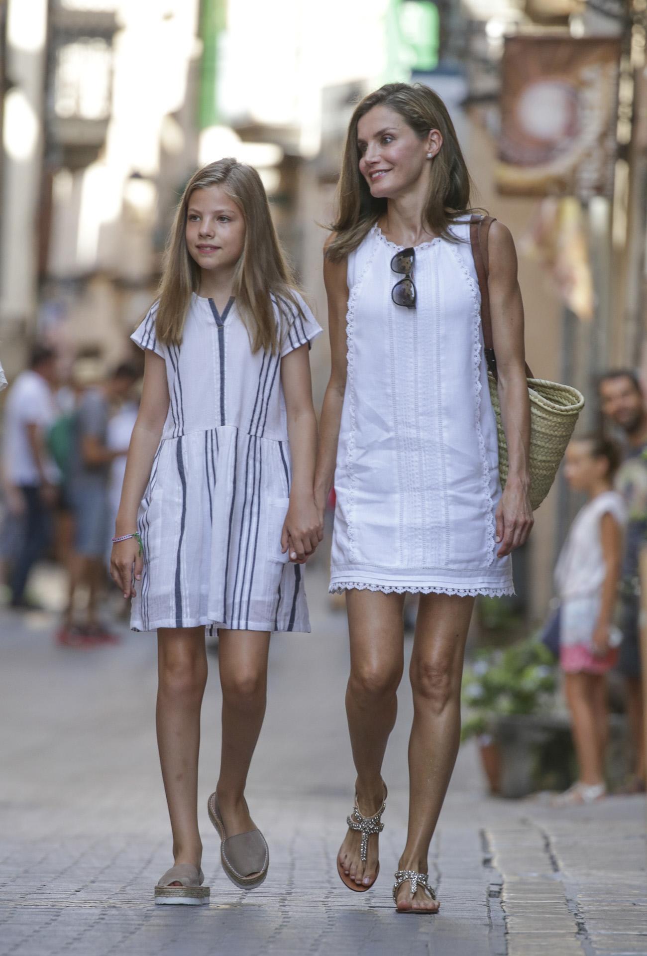Looks Letizia Minifalda