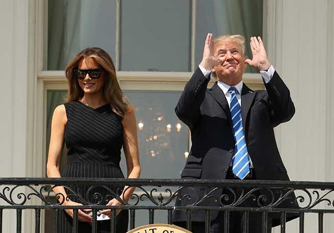 Melania Trump, durante el eclipse solar / Gtres