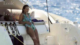 Marta Gayá durante sus vacaciones en Mallorca. La gran amiga de don Juan Carlos reparte su tiempo entre Mallorca y Gtsaad, 6 meses en cada sitio.  /LOOK