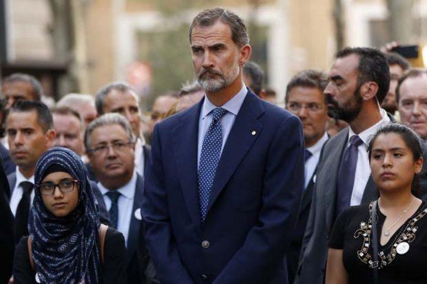EN IMÁGENES | El rey Felipe VI acude sin la reina a la manifestación contra el terrorismo en Barcelona