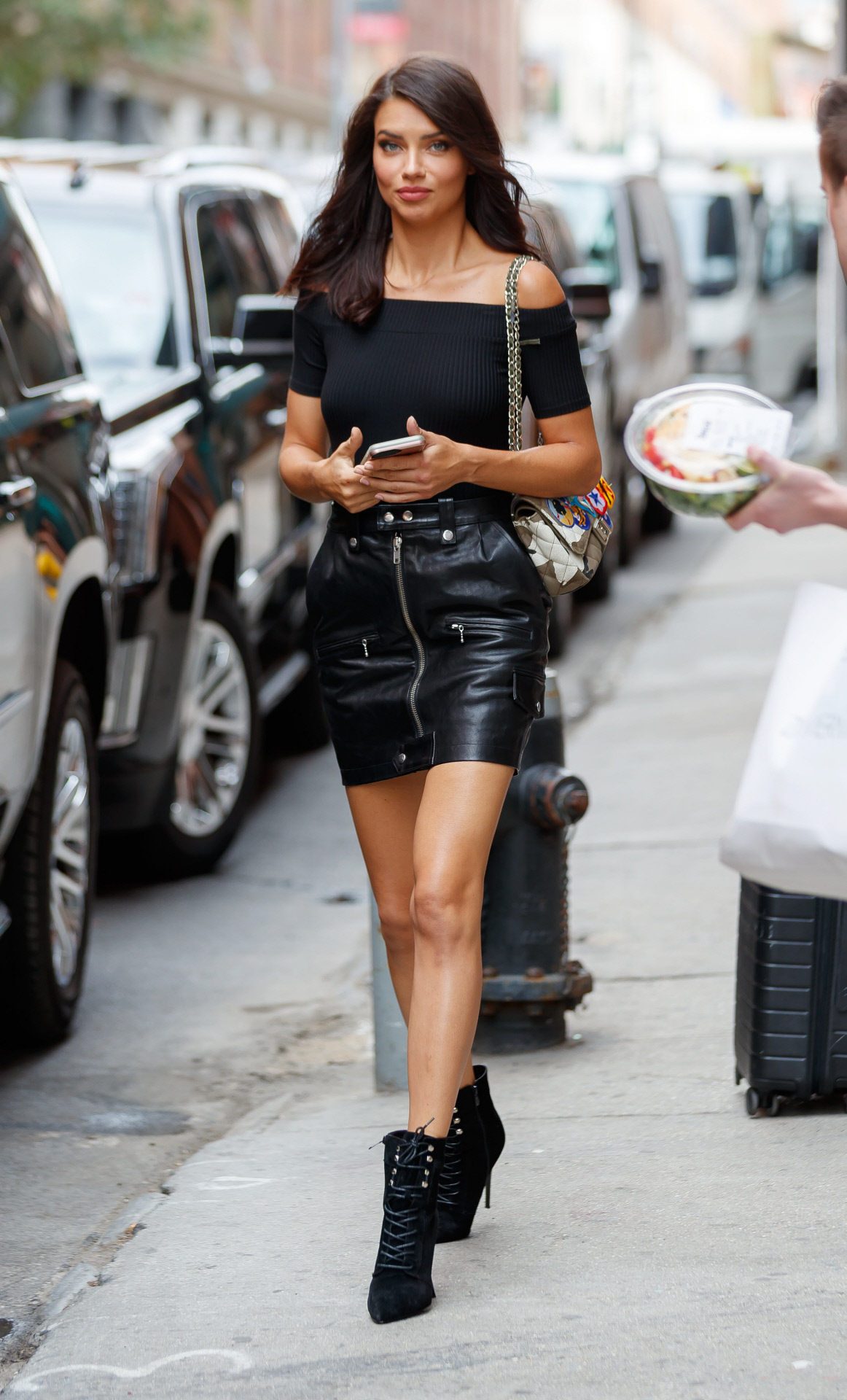 Tendencias Otoño 2017 Mini Falda Negra Piel