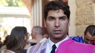 Cayetano Rivera con el traje de luces que se ha hecho para homenajear a su hermano /Gtres