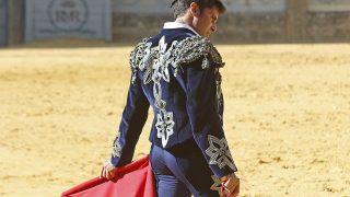 El traje que Francisco ha lucido estaba cargado de significado /Gtres
