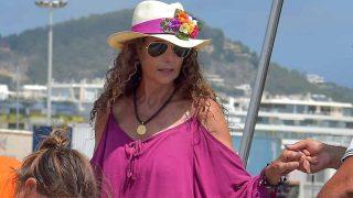 Belinda Alonso tras esparcir la cenizas de Ángel Nieto en Ibiza el pasado 6 de agosto / Gtres