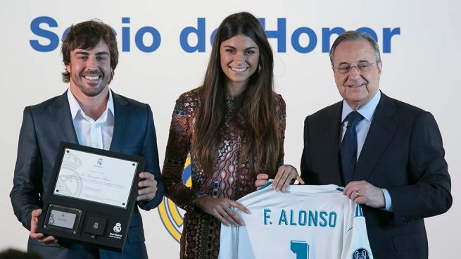 Linda Morselli, el mejor apoyo de Fernando Alonso en su homenaje en el Bernabéu