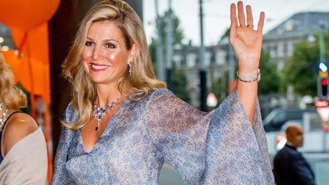 Máxima de Holanda, radiante con un romántico diseño de gala