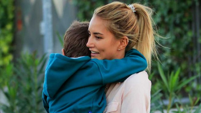 ¿Se llevó Alba Carrillo a su hijo sin que Fonsi Nieto lo supiera? La modelo responde