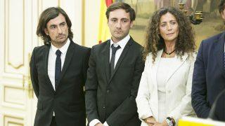 Belinda Alonso, Pablo y Gelete Nieto durante la presentación de los actos en la memoria del piloto /Gtres (PINCHAR EN IMAGEN PARA VER GALERÍA)