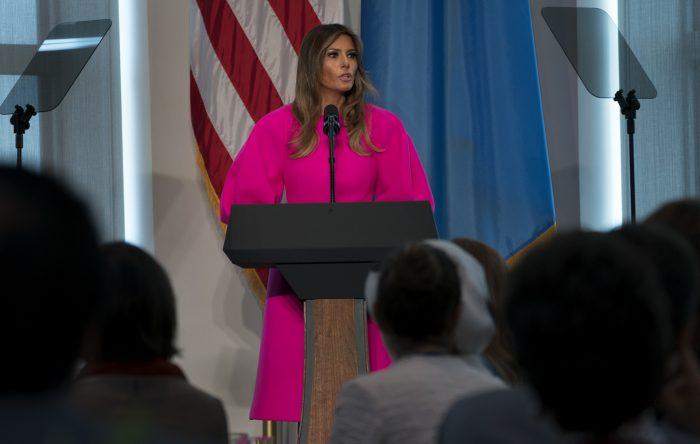 Melania Trump Vestido Abrigo Fucsia Delpozo