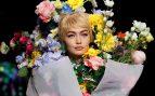 Moschino convierte a Gigi Hadid en un ramo de flores