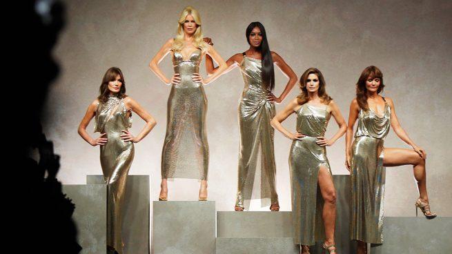Lo mejor del desfile de Versace en la Semana de la Moda de Milán / Gtres