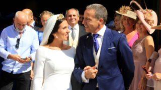 Cristobal Soria y su esposa a la salida de la iglesia /Gtres